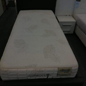 SET postelja SKY in vzmetnica MILLWOOD