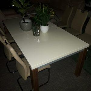 Raztegljiva jedilna miza MORLUPO